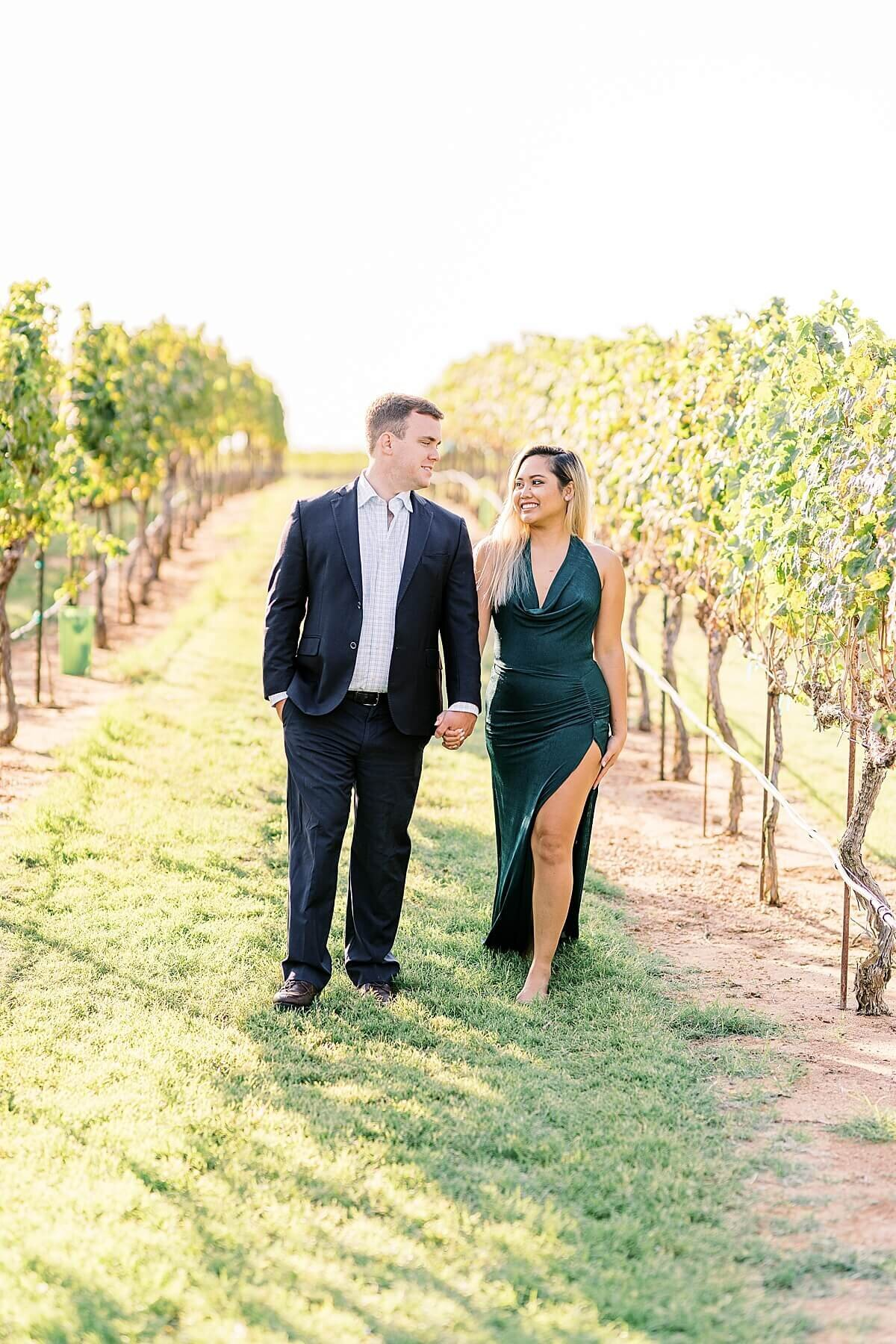 Texas-Hill-Country-Vineyard-Engagement-Portrait-Session-Alicia-Yarrish-Photography_0057