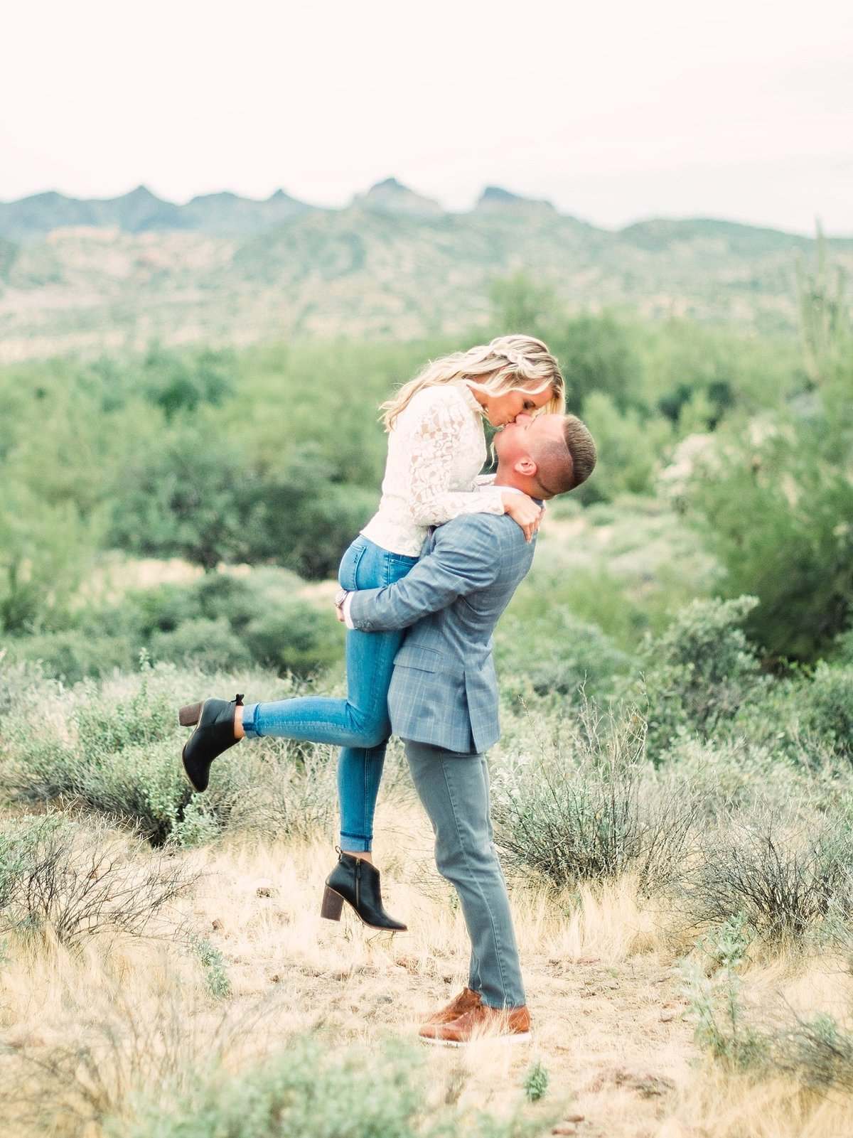 scottsdale-arizona-wedding-photographer-engagement-desert_0059