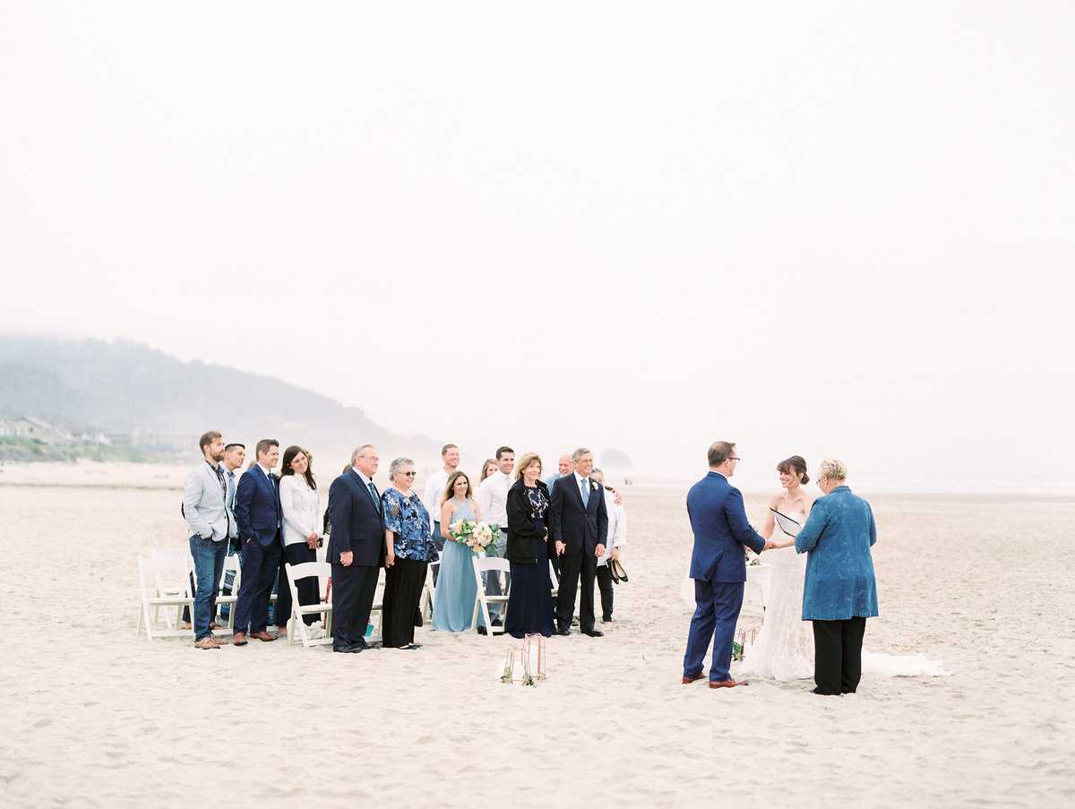 cannon-beach-wedding-at-stephanie-inn-21