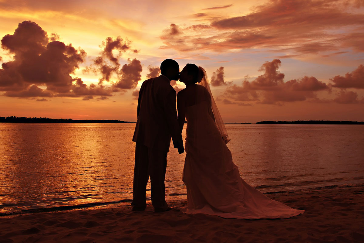 sanibel harbour sunset wedding photo florida