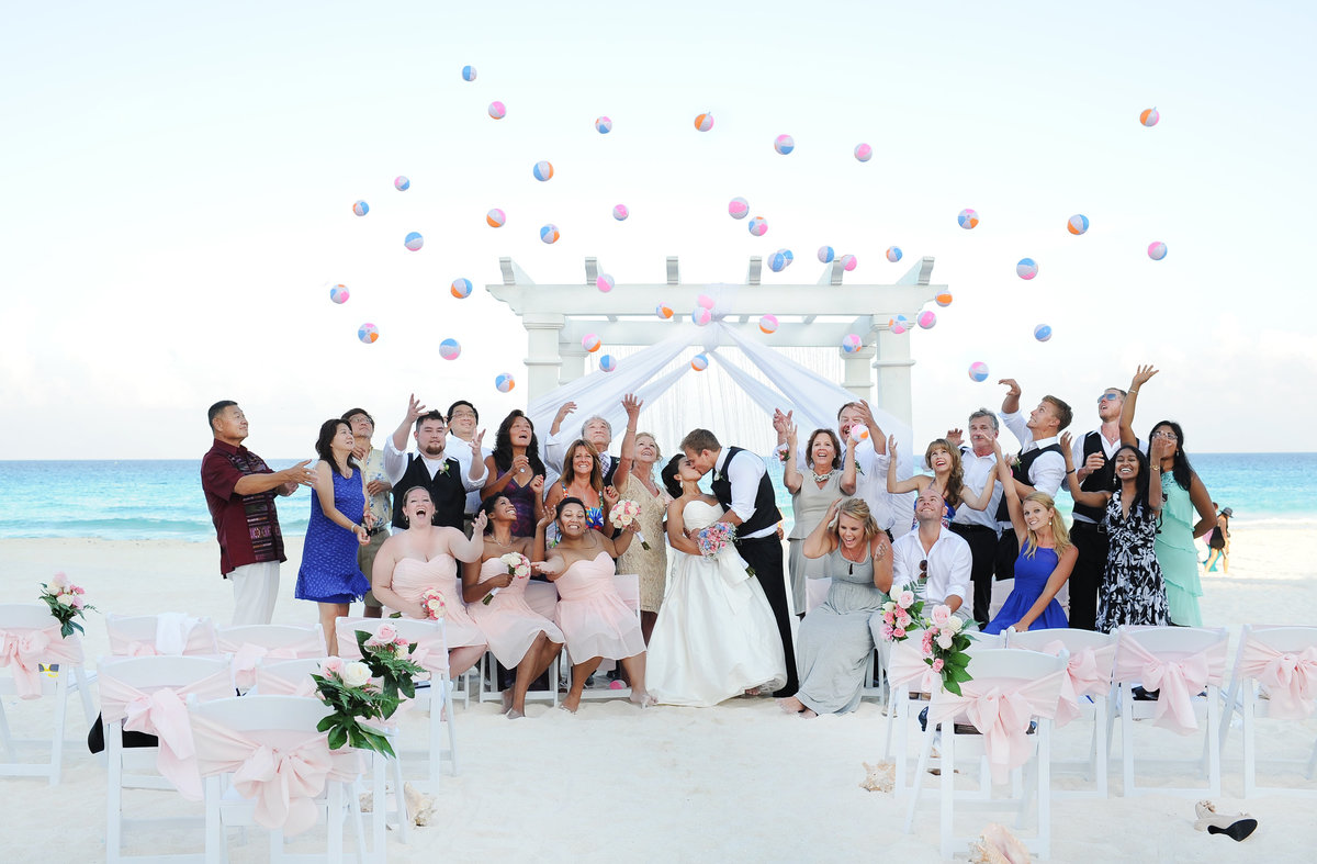 Jessica-Frey-Photography-Cancun-Beach-Wedding-001