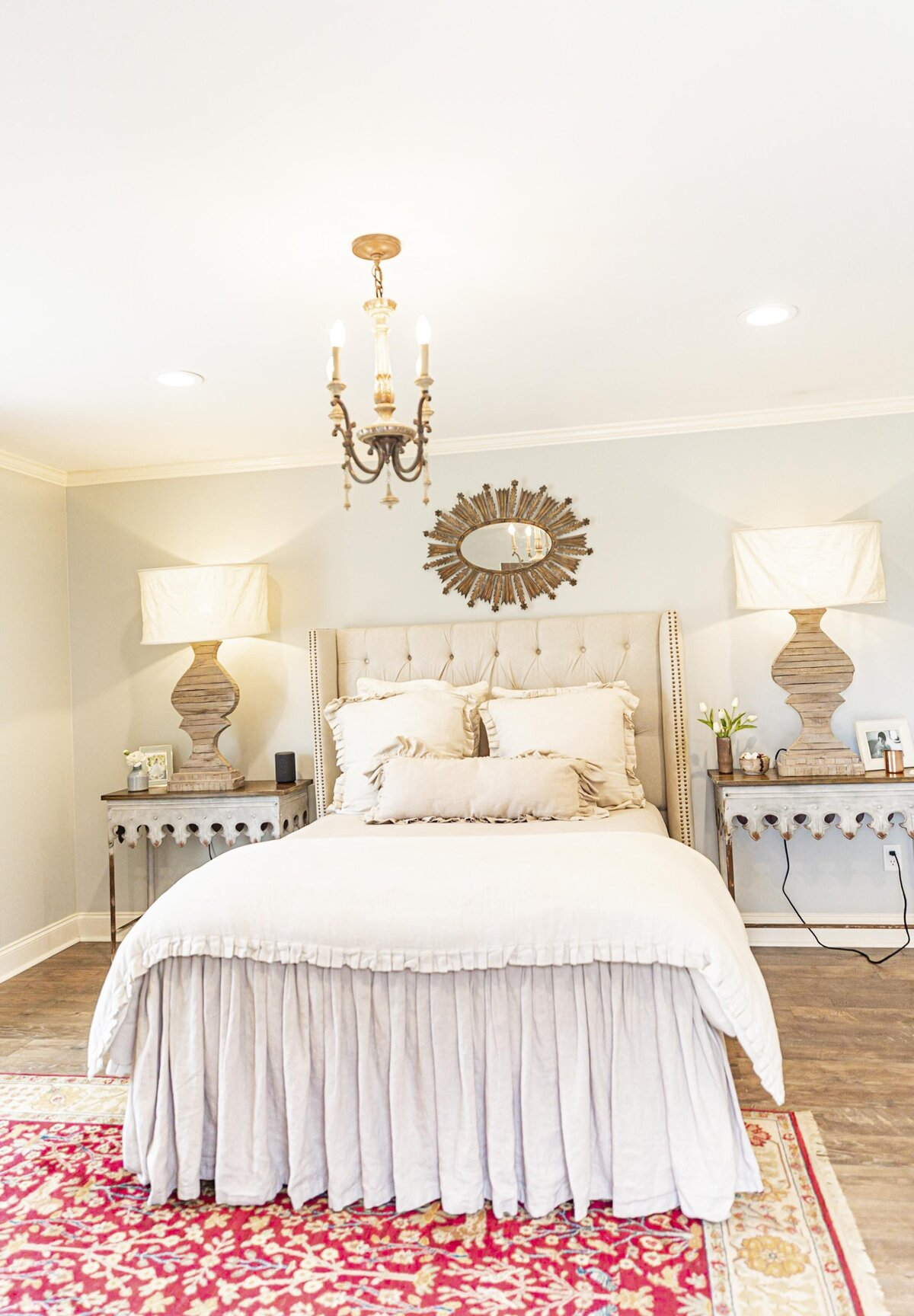 beautiful-farmhouse-bedroom-decor-inspiration-moda-designs-mississippi4