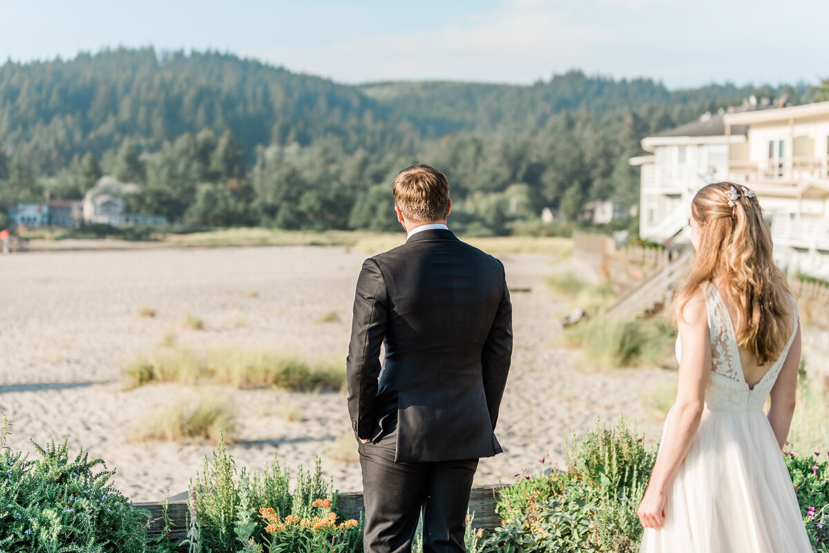 Cannon-Beach-Elopement-Photographer-89