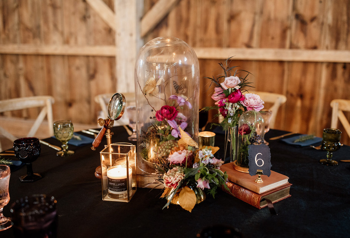 Hannah - Vintage Field & Steam wedding - centerpiece - image by Rendi Smith Photographyjpg copy