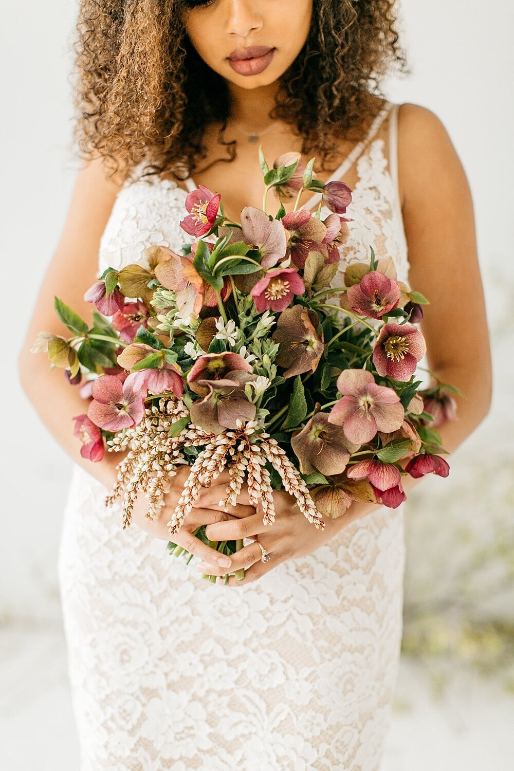 leigh-and-mitchell-spring-bridal-shoot-pink-and-mauve-modern-bridal-bouquet