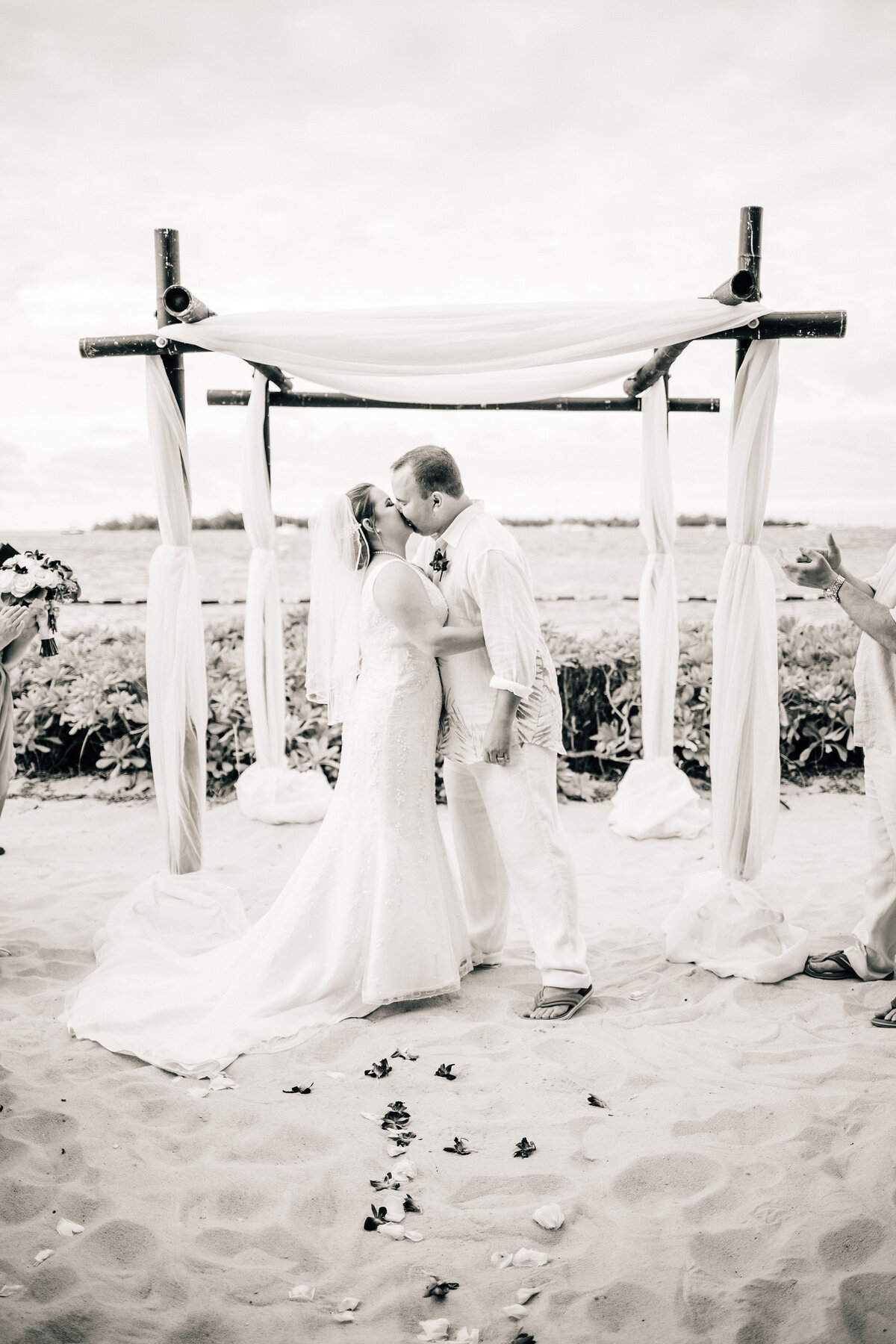 Kimberly_Hoyle_Photography_Bachman_Pier_House_Key_West_Wedding-21