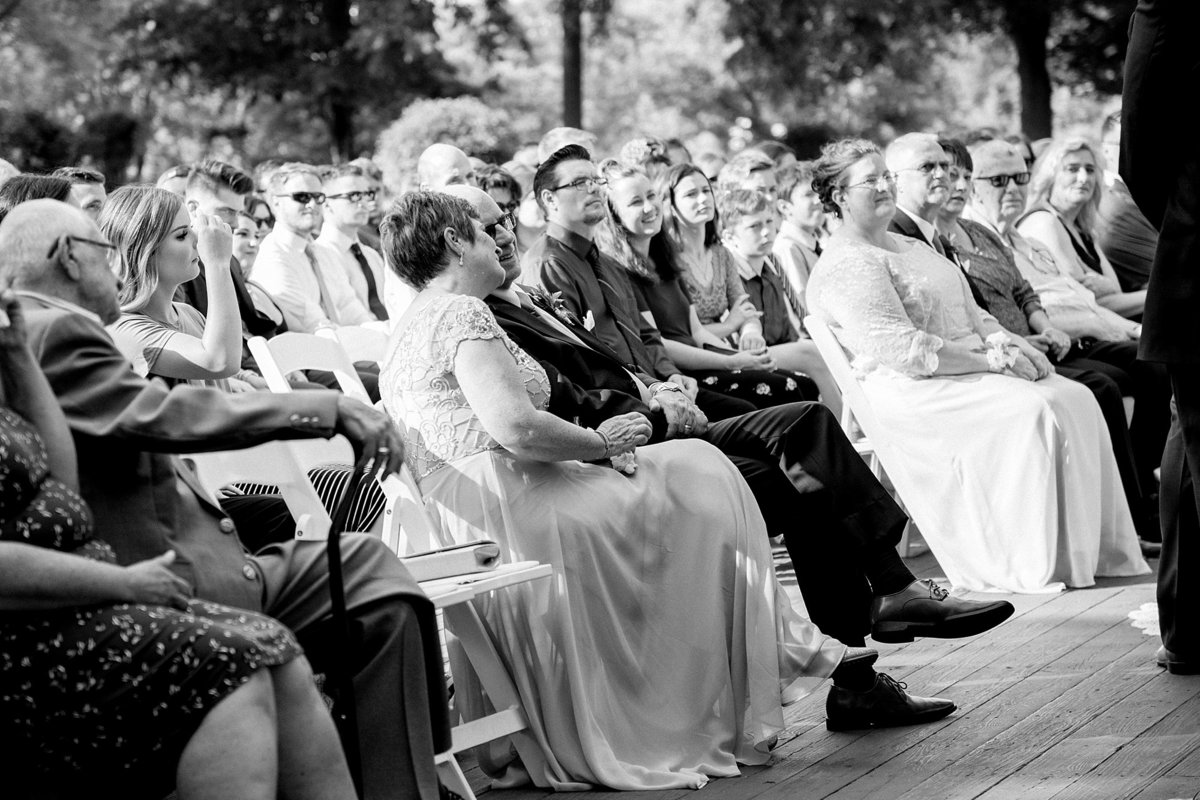Julie-Barry-English-Inn-Summer-Garden-Wedding-Michigan-Breanne-Rochelle-Photography60