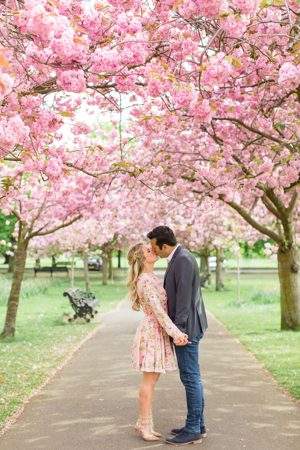 london-engagement-cherry-blossoms-roberta-facchini-photography-3