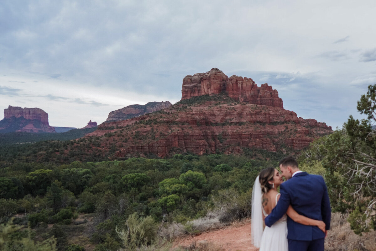Sedona-Arizona-Elopement-Cathedral-Rock-Destination-Wedding-Photographer-169