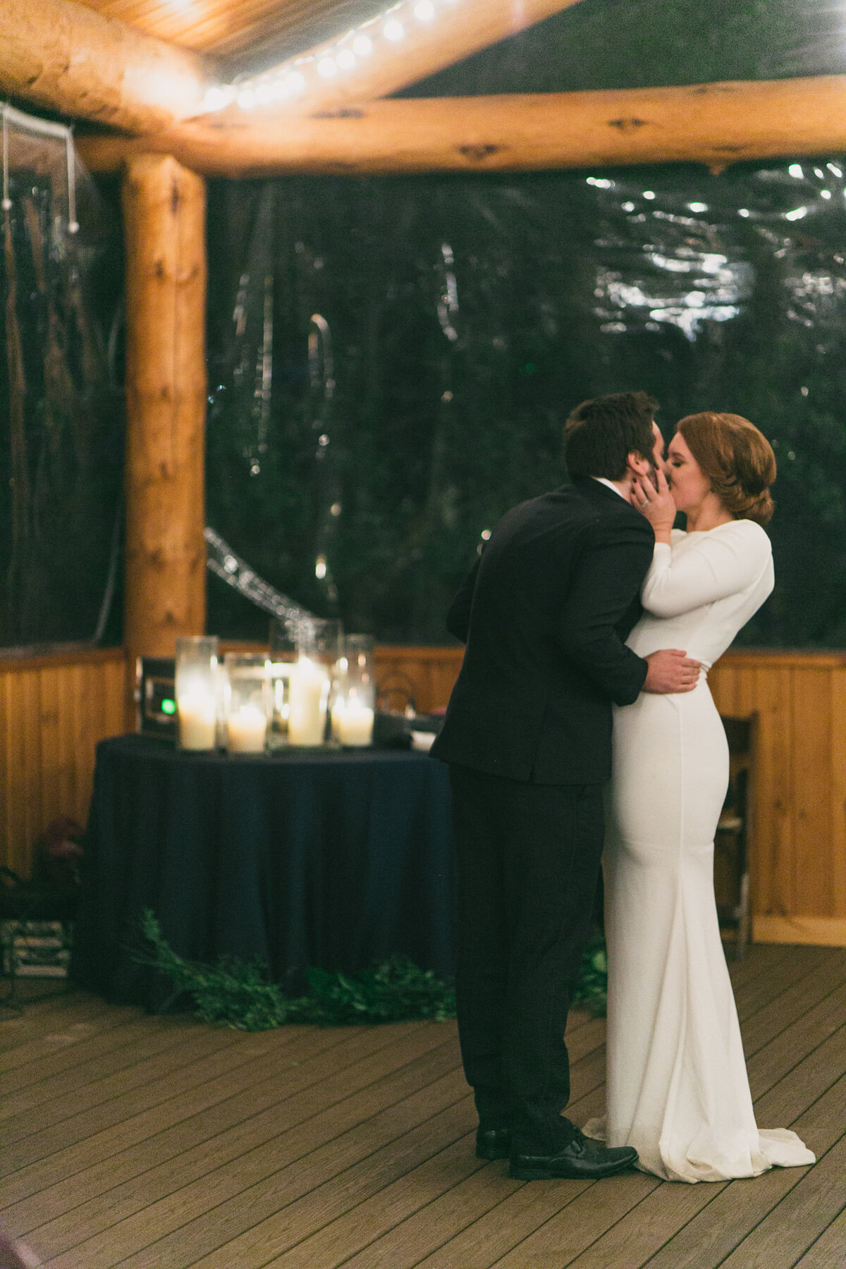 Jennifer_Mooney_Photography_Abbey_Stephen_Fall_Winter_Glacier_Park_Elopement-213