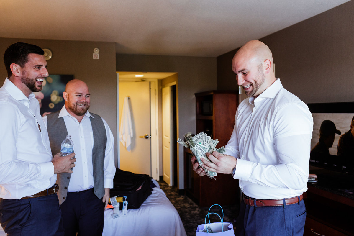 Groomsmen-Photos-Prep