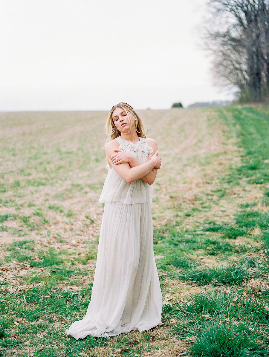 Graceful_Countryside_Fine_Art_Bridal_Maryland_Wedding_Megan_Harris_Photography-91