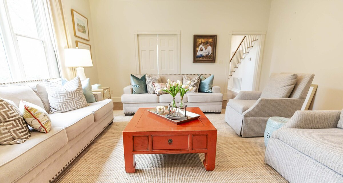 family-room-decor-red-coffee-table-jute-rug8