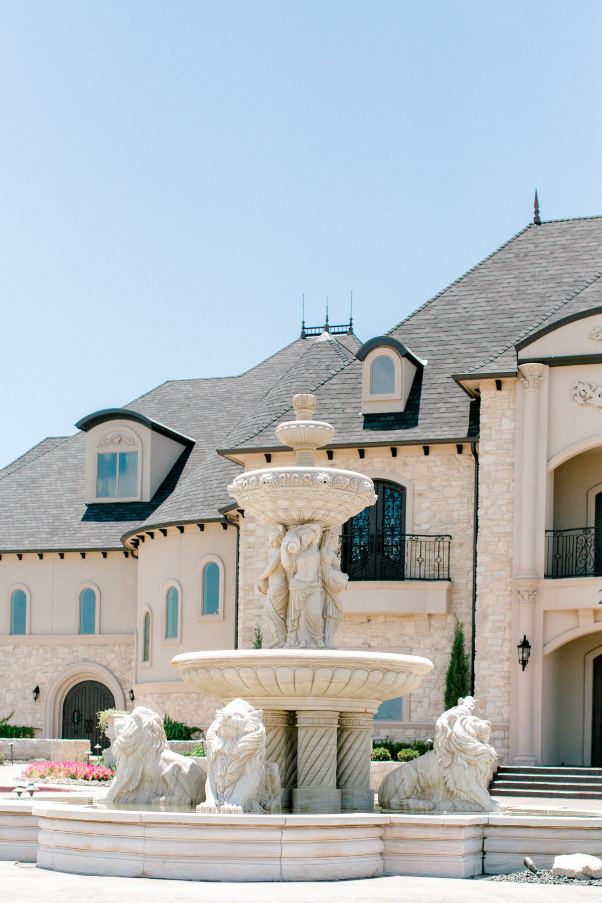 Jasmine & Josh Wedding at Knotting Hill Place | Dallas DFW Wedding Photographer | Sami Kathryn Photography-18