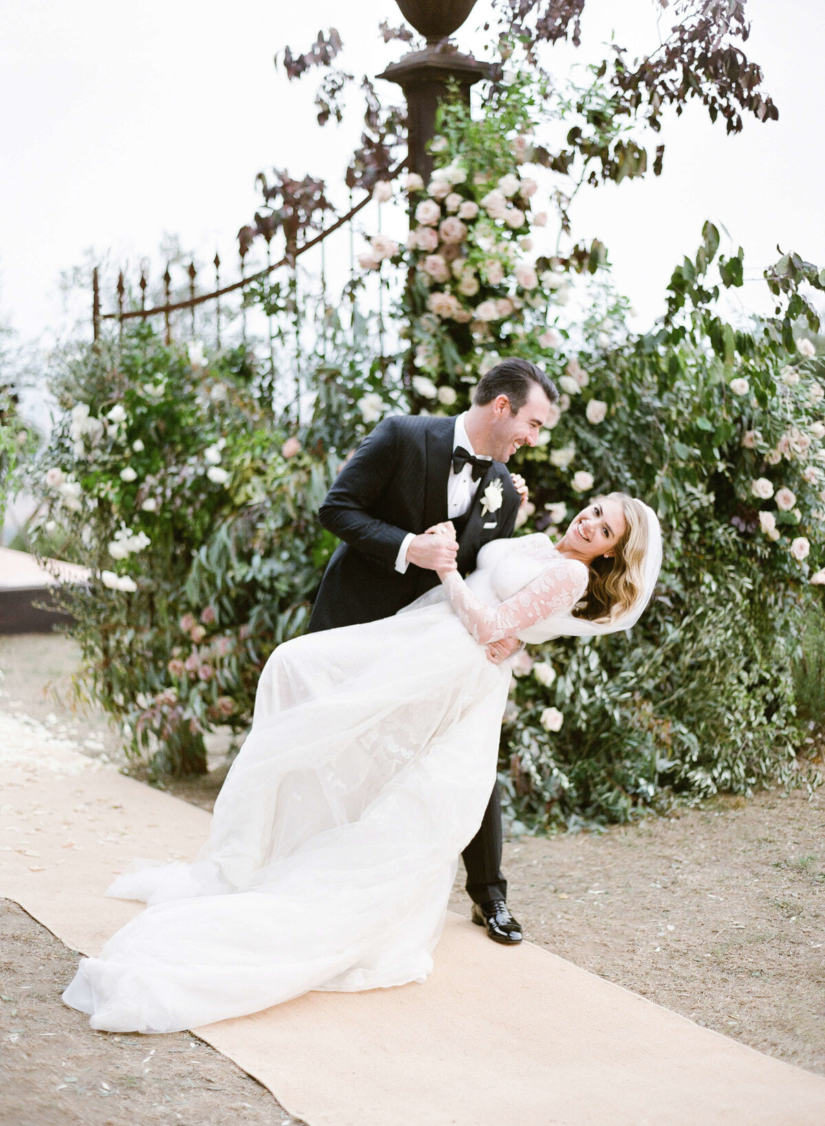 24-KTMerry-wedding-portrait-Kate-Upton-Justin-Verlander