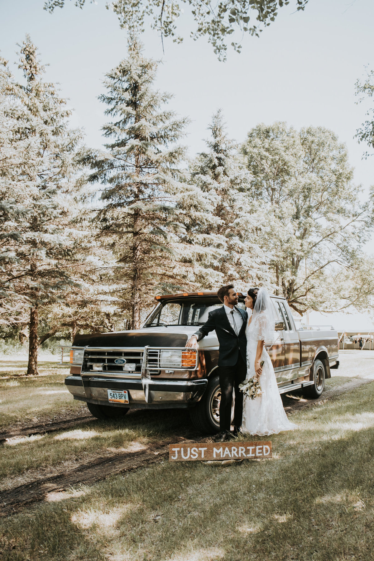 Elopement session outdoors in Montana