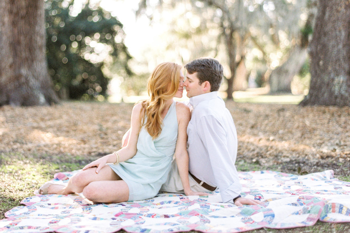 Charleston Engagement Photography | Photo Shoot and Poses Ideas | Charleston Engagement Pictures | Creative and unique engagement photos