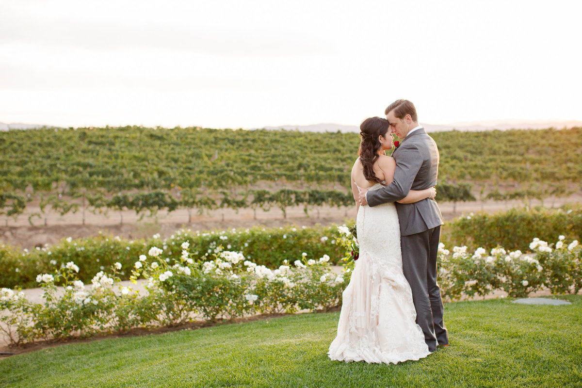 Newlywed couple enjoys a breathtaking evening in the villa de amore vineyards by matty fran photography