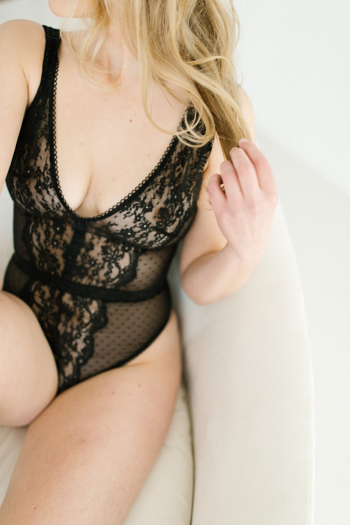 Bridal boudoir session with Chicago boudoir photographer Laurie Baker