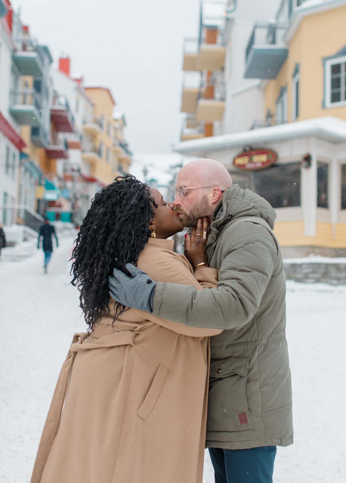 tremblant-winter-mountainside-engagement-session-grey-loft-studio-tremblant-village-67