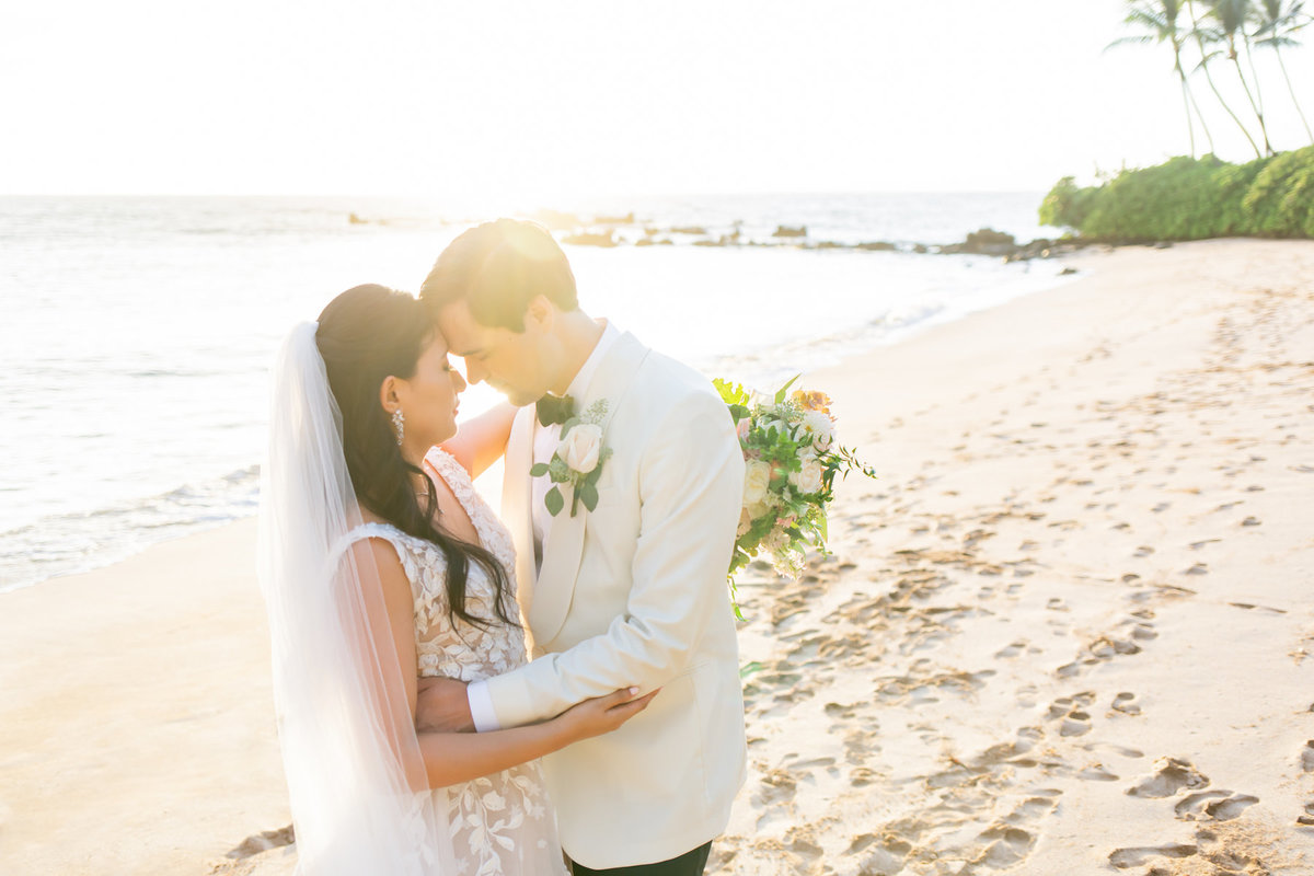 Hawaii wedding photography - bride and groom