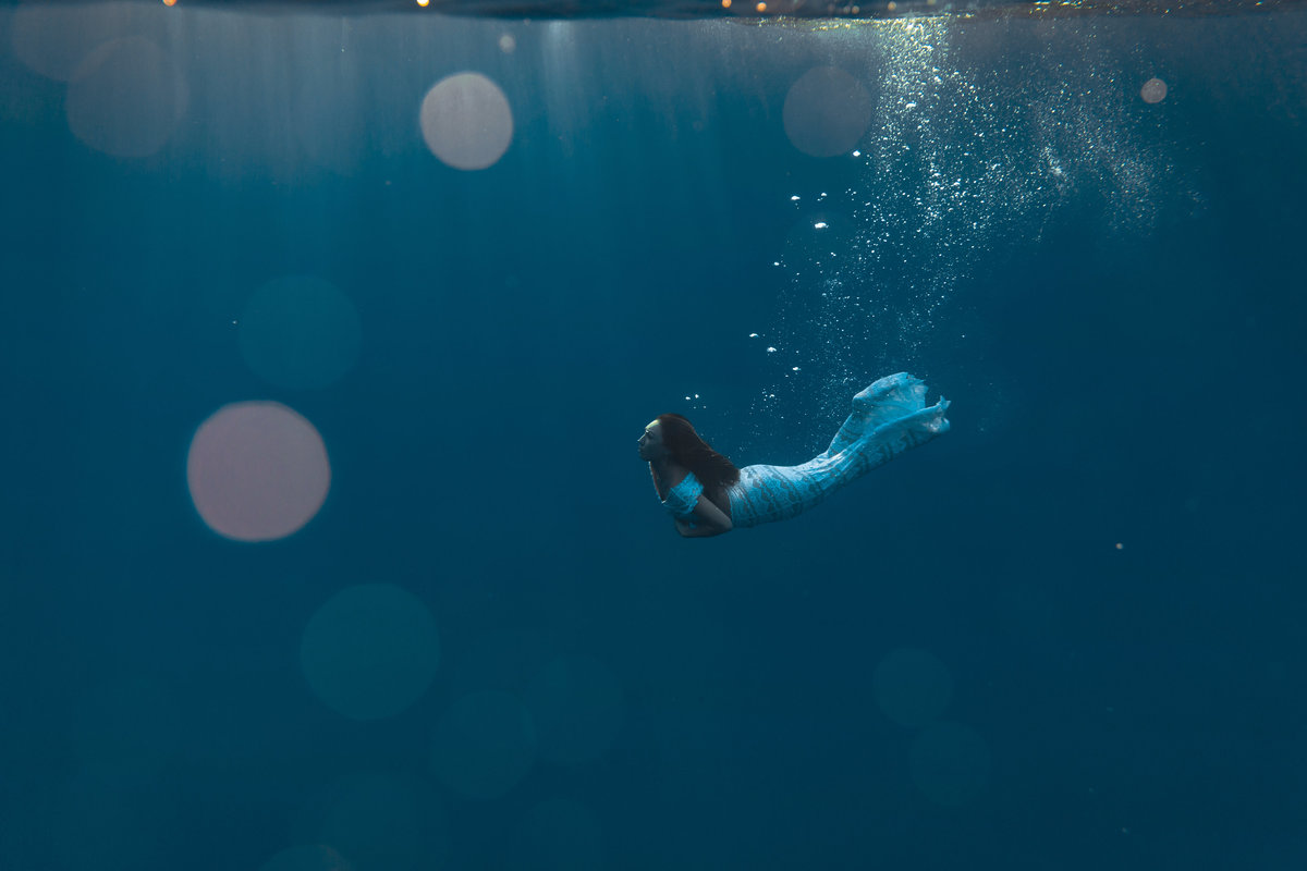 Underwater Trash the Dress Portraits-33