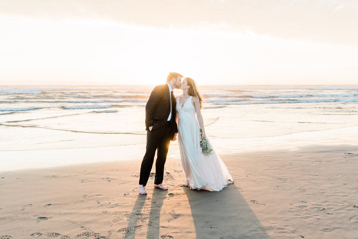 Cannon-Beach-Elopement-Photographer-72