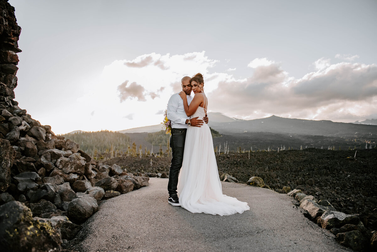 sisters-bend-oregon-summer-wedding-elopement-photographer-dress-scenic-byway-wedding-deewright-observatory-5275