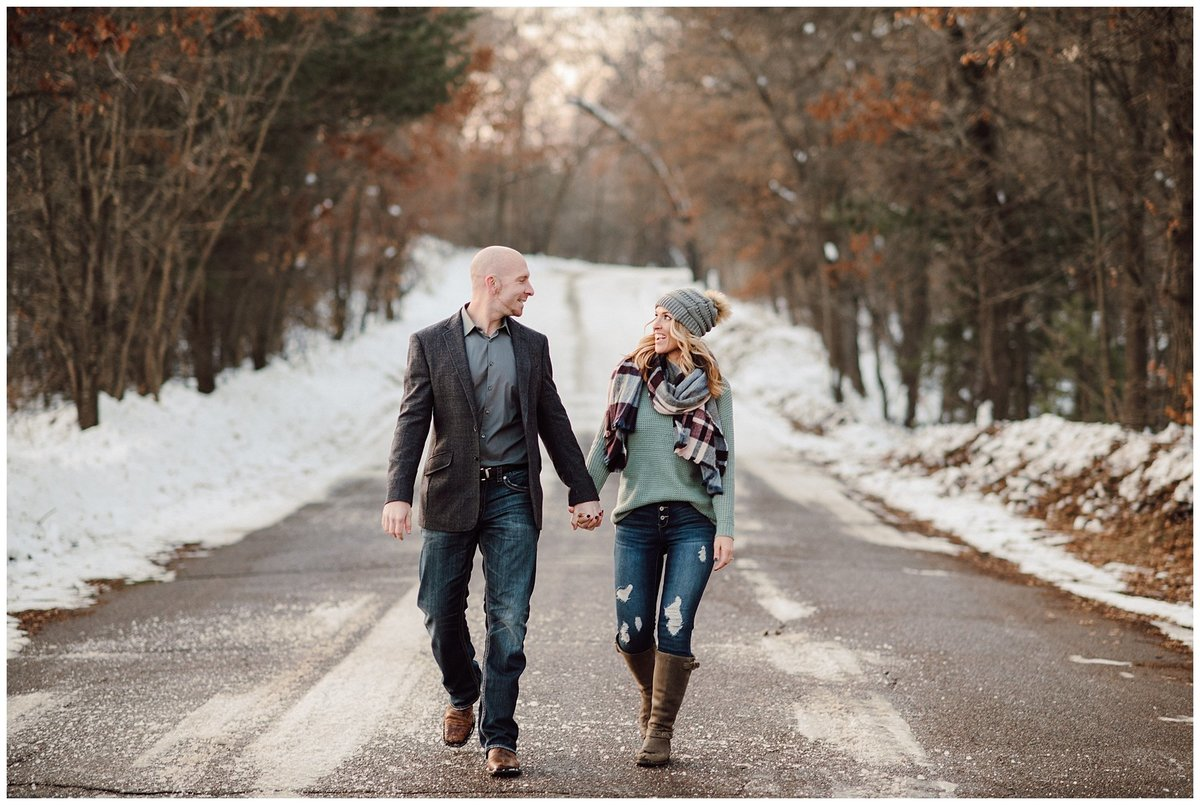 Outdoor-Winter-Couples-Session026