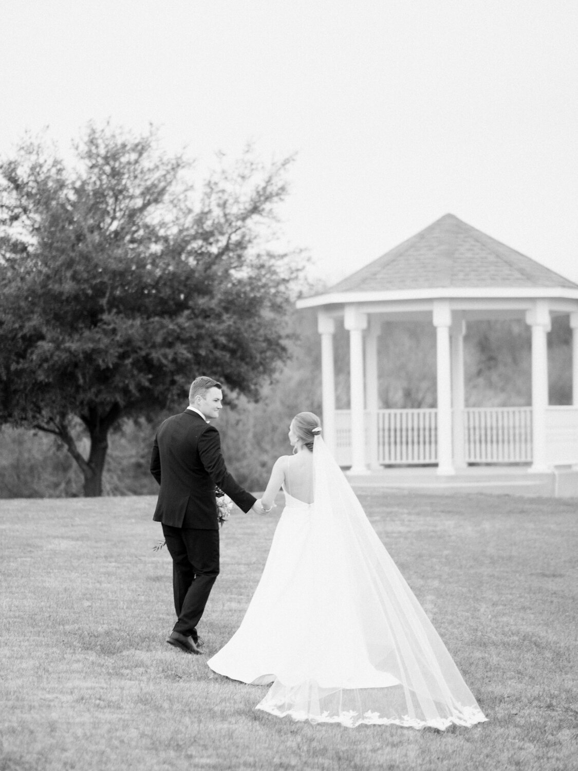 wedding photographer in Dallas