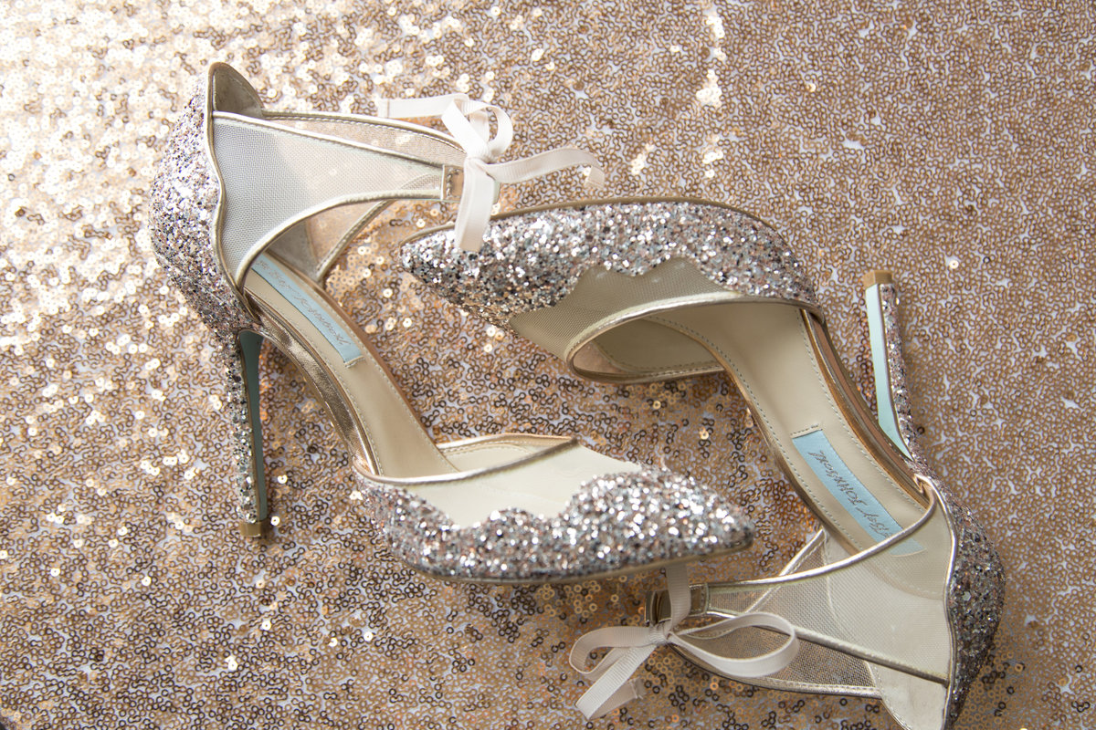 Callie&ShaneWedding023 betsy johnson high heels rose gold glitter wedding shoes winter wisconsin wedding photographer willow marie photography