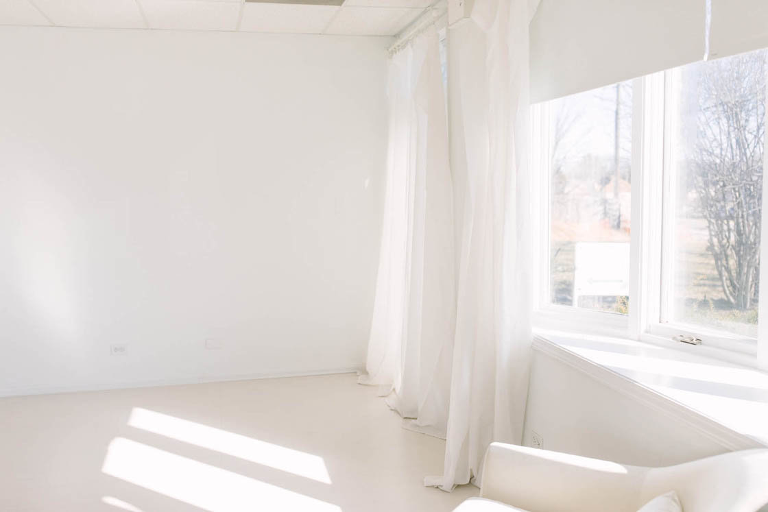white studio by Elle Baker Photography in Homer Glen Illinois