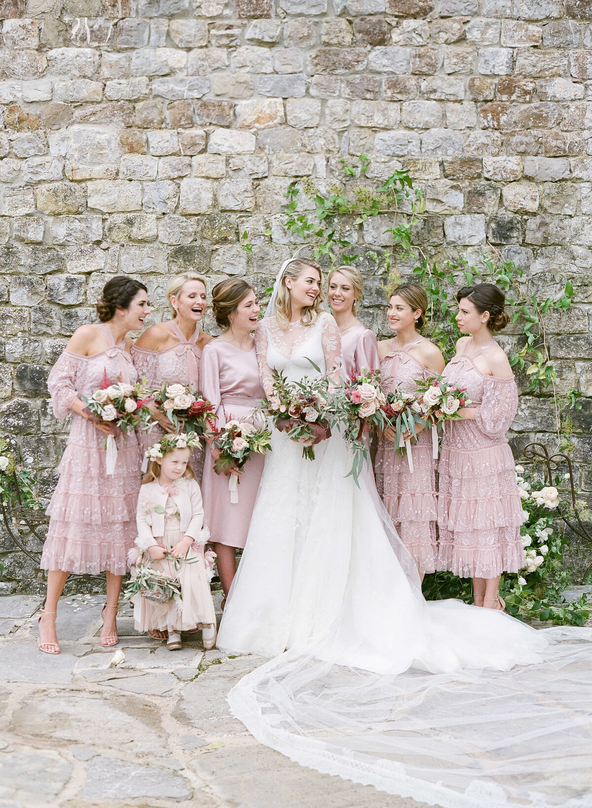 13-KTMerry-weddings-Kate-Upton-bridal-party-Tuscany