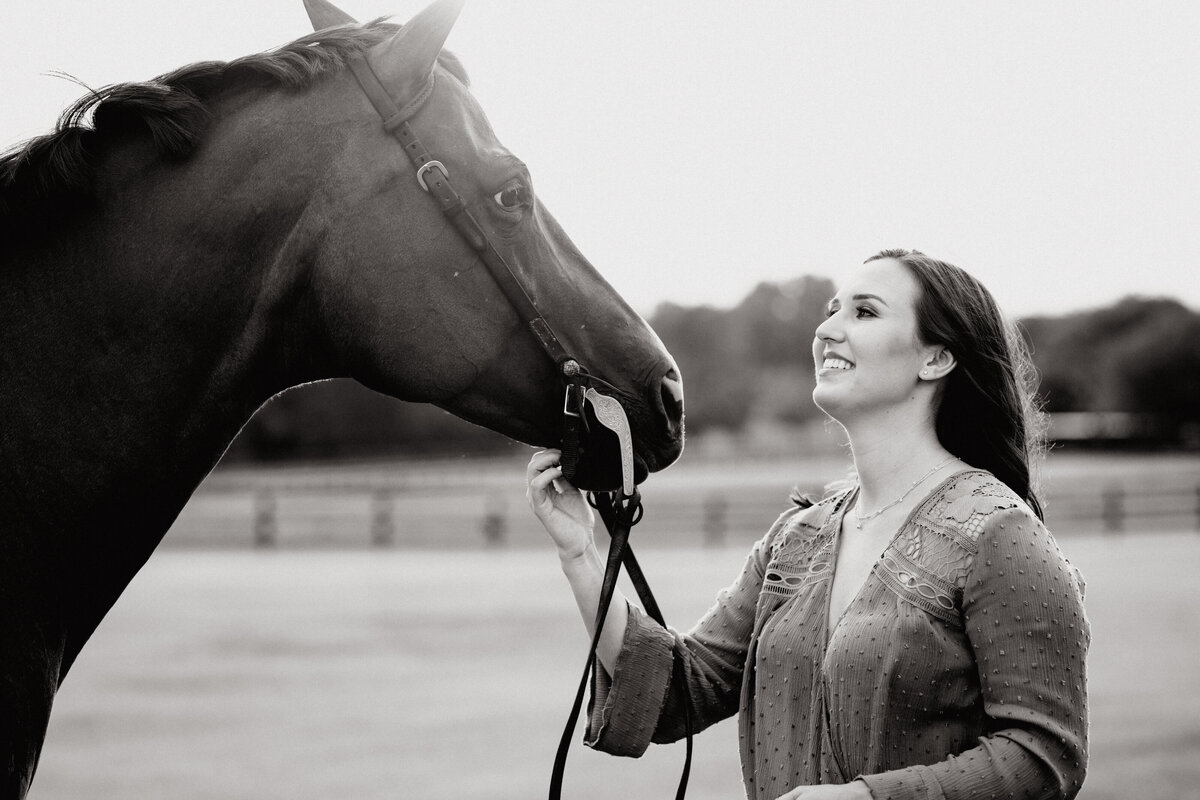 Western pleasure horse photoshoot in Ocala, Florida