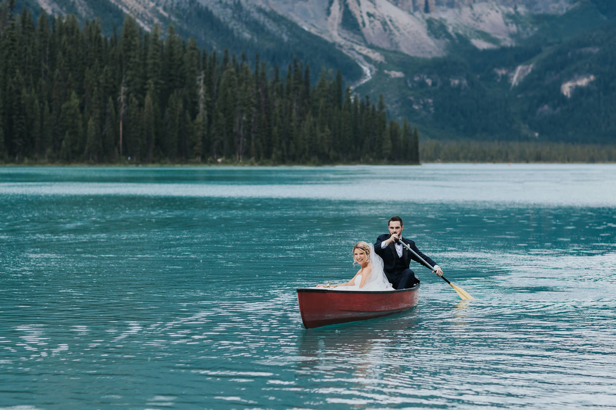 emerald lake lodge summer destination wedding