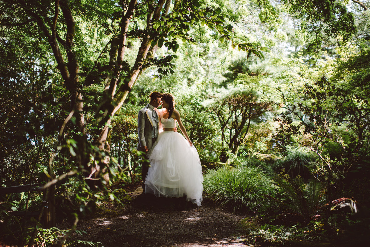 Seattle Wedding Photographer Karissa Roe Thornewood Castle wedding photos-2