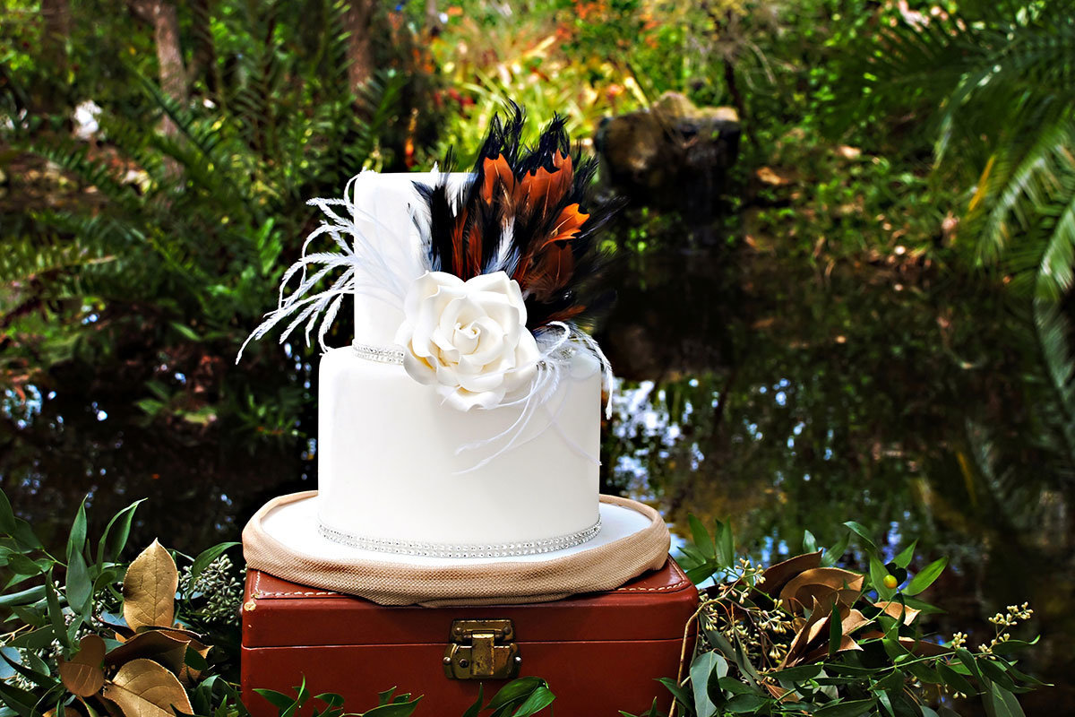jungle theme wedding cake