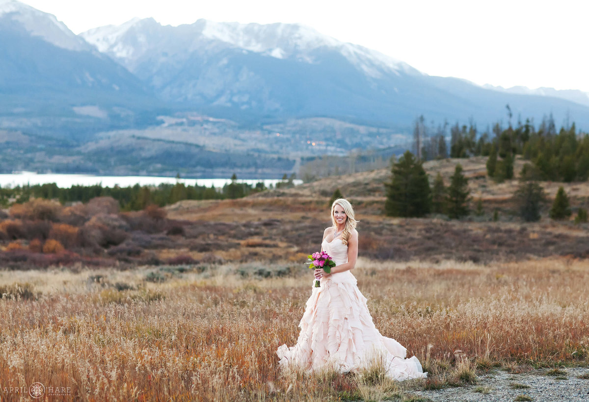 Pretty Fall Colorado Mountain Wedding at Sapphire Point