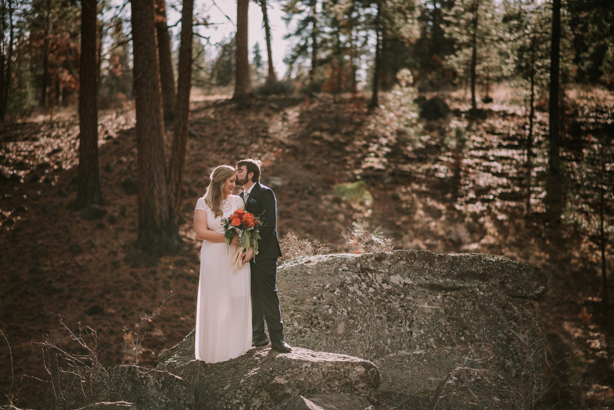 bend-oregon-wedding photographer-elopement-adventure-photograher-meredith-sands-photography -6