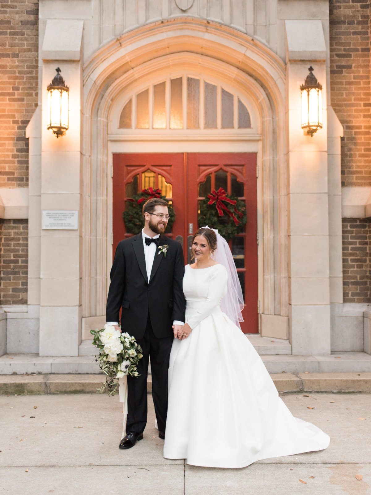Courtney Hanson Photography - Festive Holiday Wedding in Dallas at Hickory Street Annex-0223