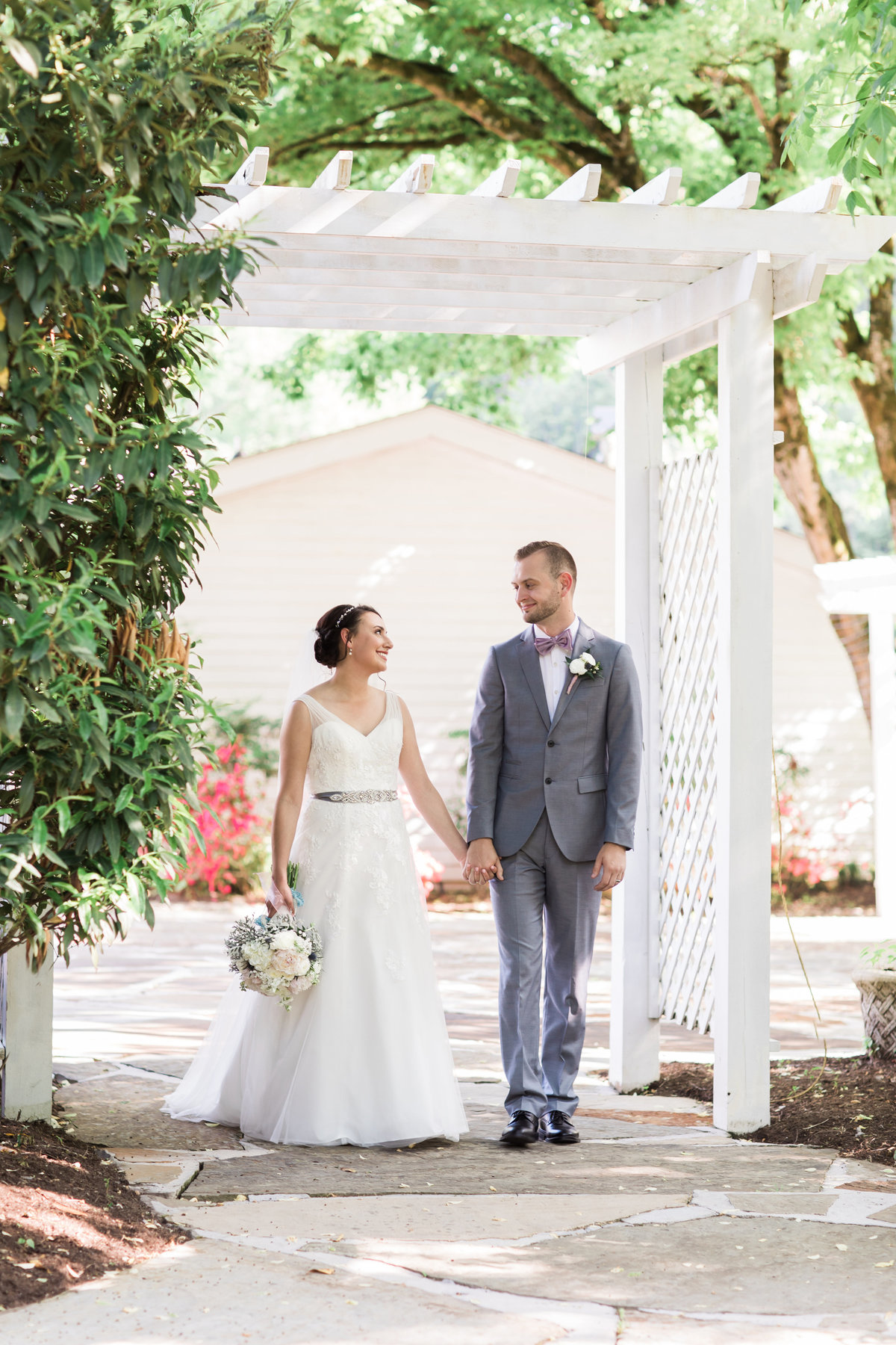 Danielle-Defayette-Photography-Daras-Garden-Knoxville-Wedding-343