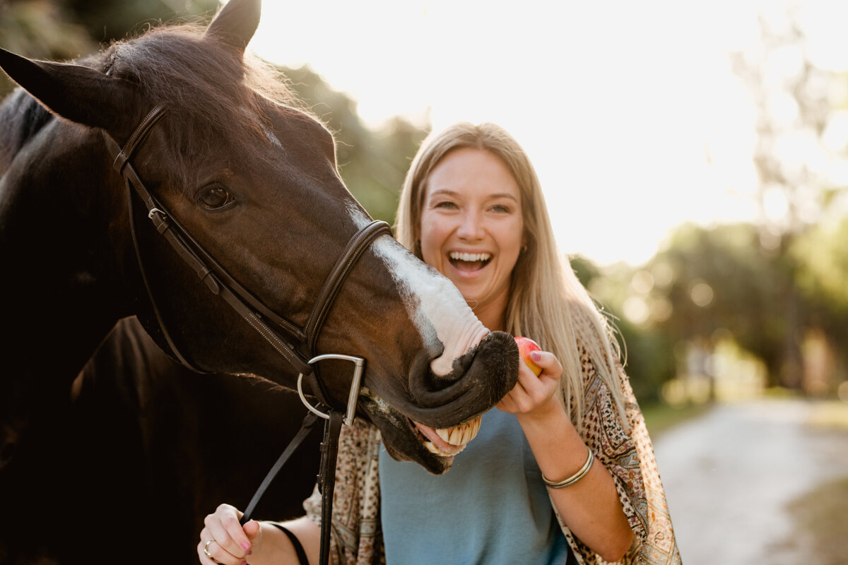 Equine photographer in Florida who focuses on capturing a horses personality