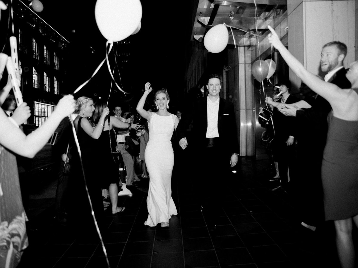 Courtney Hanson Photography - Modern wedding at The Joule-3953