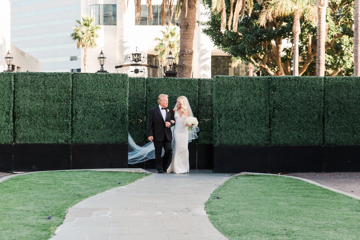 Tropical_Modern_Fairmont_Santa_Monica_Navy_Pink_Wedding_Valorie_Darling_Photography - 73 of 146