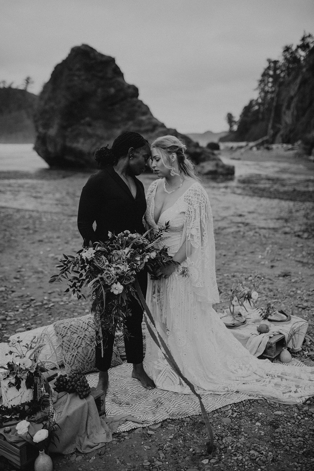 Ruby_Beach_Styled_Elopement_-_Run_Away_with_Me_Elopement_Collective_-_Kamra_Fuller_Photography_-_Portraits-140