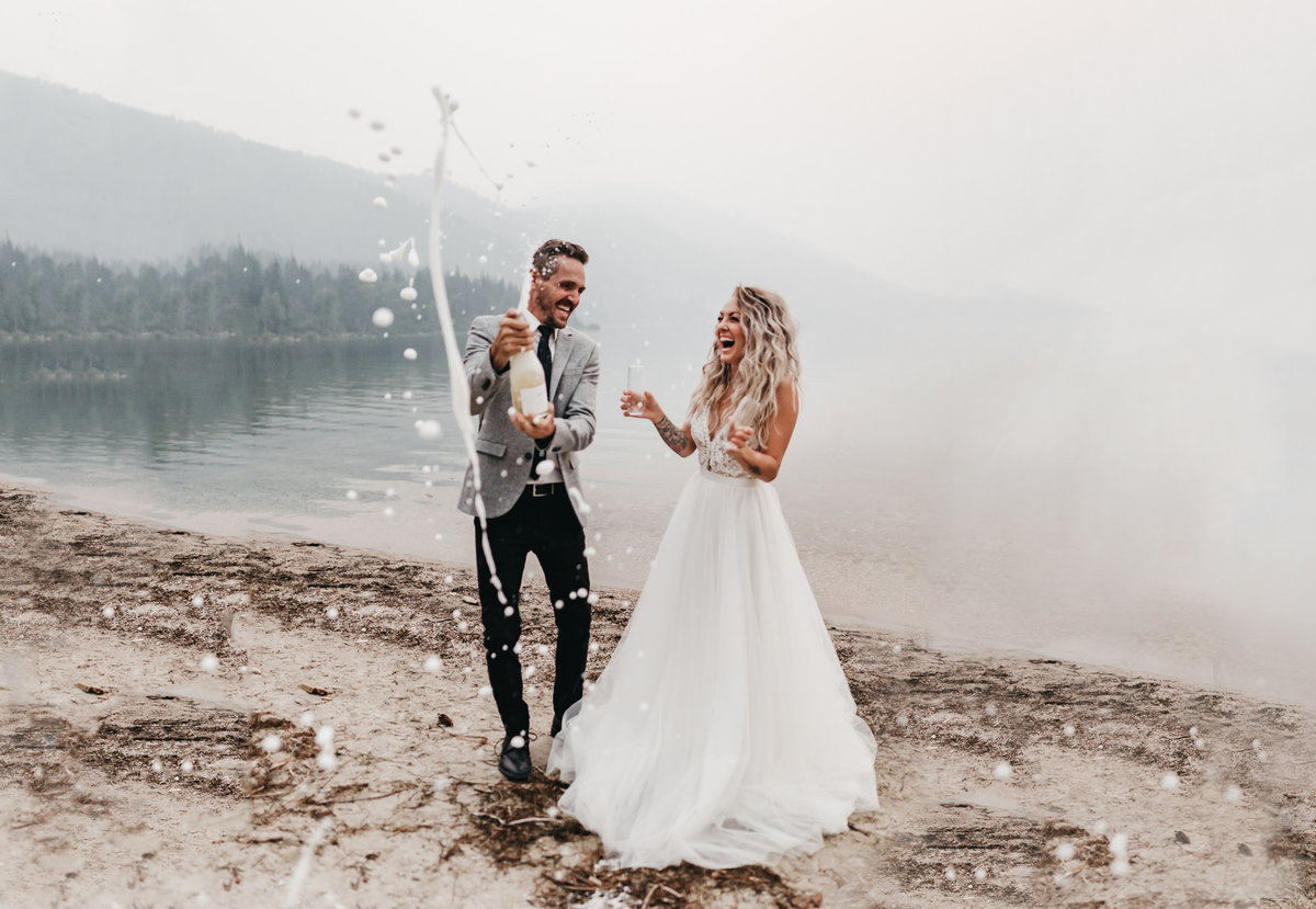 athena-and-camron-sara-truvelle-bridal-wenatchee-elopement-intimate-42-champagne-pop-bride-groom-fun-landscape
