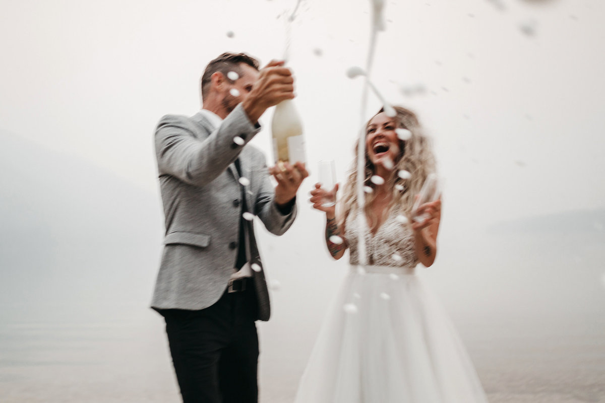 athena-and-camron-sara-truvelle-bridal-wenatchee-elopement-intimate-37-champagne-pop-bride-groom-fun