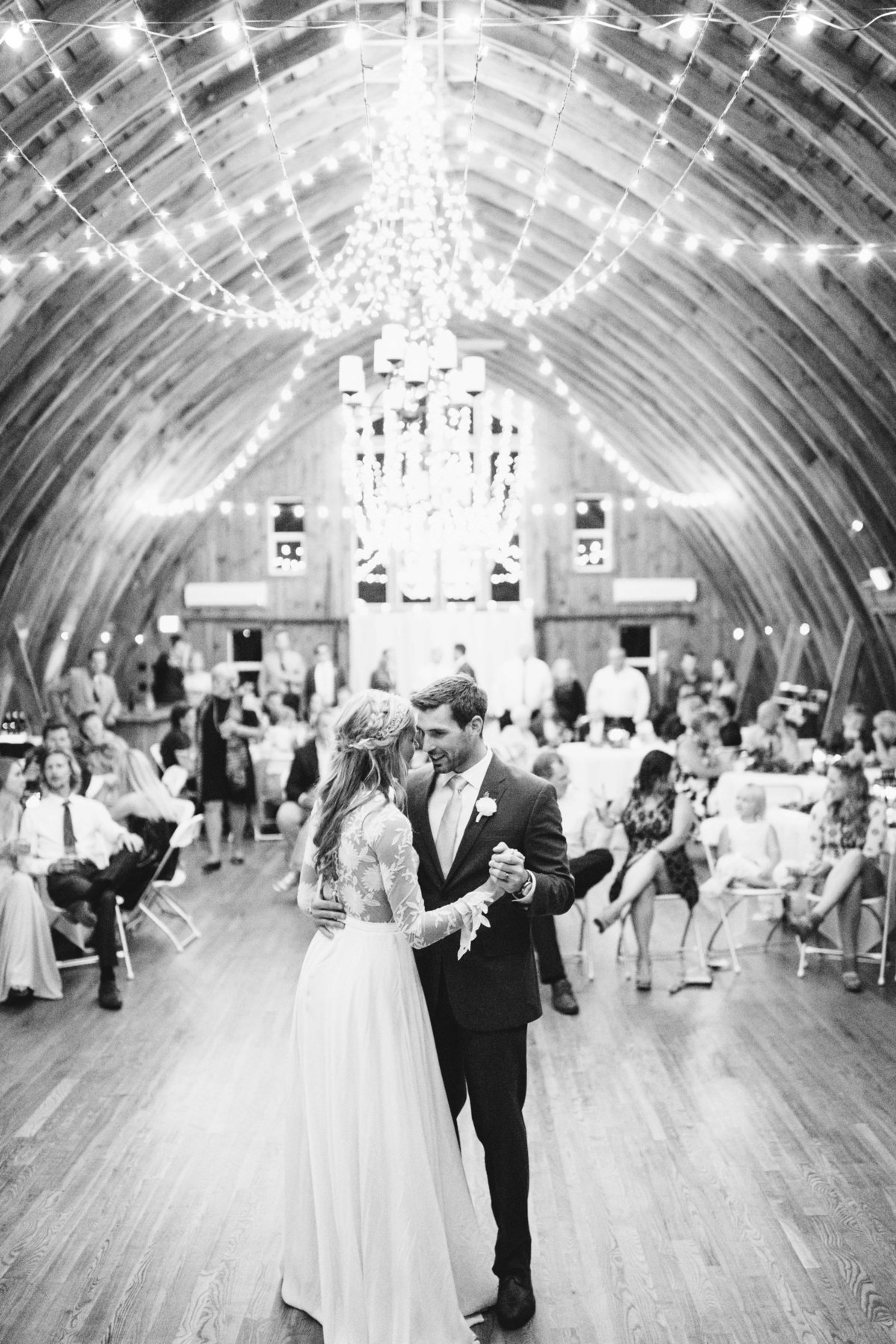 barn-at-five-lakes-resort-minnesota-july-summer-wedding-49