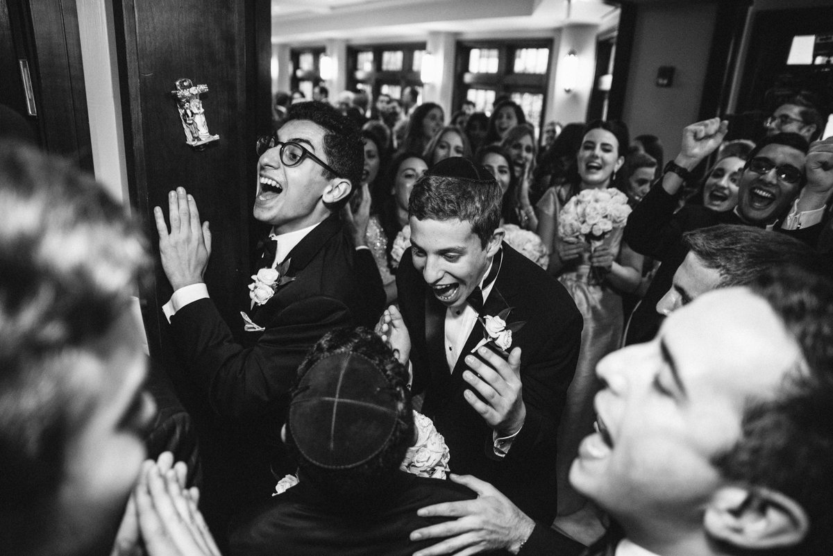 Candid wedding photo from Temple Emanuel in Closter NJ