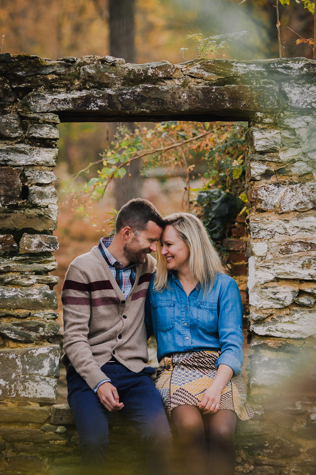 10_Outdoor_Couple_Engagement_Fall_Sunset_Maryland_Oregon_Ridge